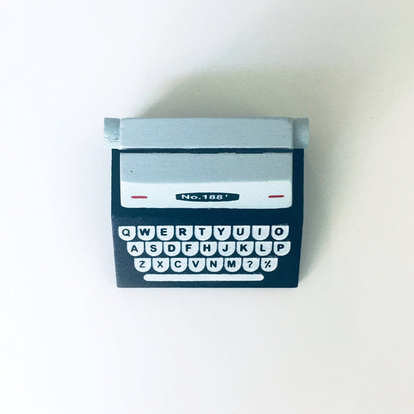 Typewriter Memo or Photo Holder