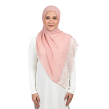 Load image into Gallery viewer, The Shawl Khaleeji - Peach Nougat