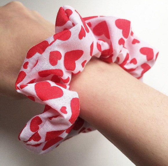 Hearts Scrunchie Valentines Day Present Gift Idea VDay Scrunchie Cute Heart Scrunchie Kawaii Hair Tie Hair Accessories Stretchy Scrunchie