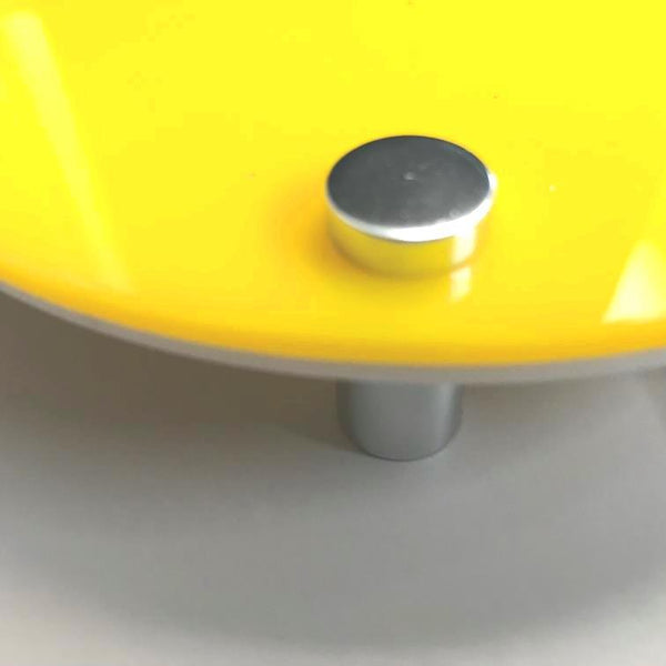 Round WC Toilet Sign - Yellow & White Gloss Finish