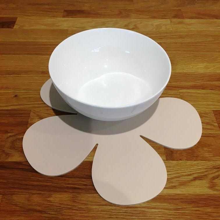 Daisy Shaped Placemat Set - Latte
