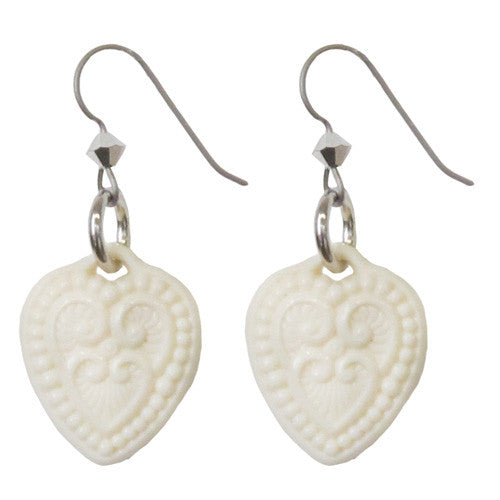 "Tarina Tarantino Starlet ""Lamour"" Lucite Heart Pierced Earrings (Ivory) - Belle Fleur Boutique"