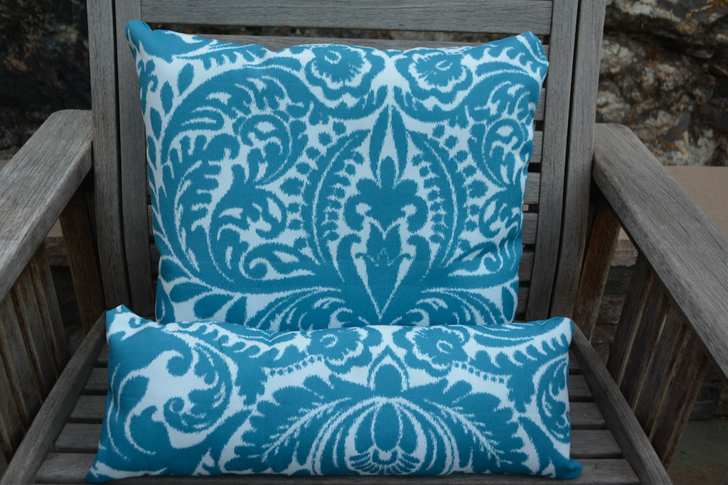 La Vida Loca Outdoor Pillow Set