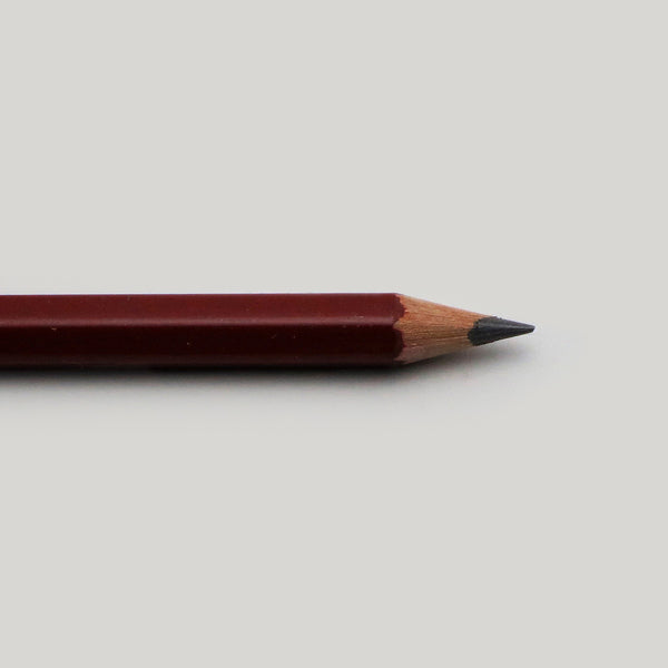 Sharpened point Viarco desenho 250 B pencil