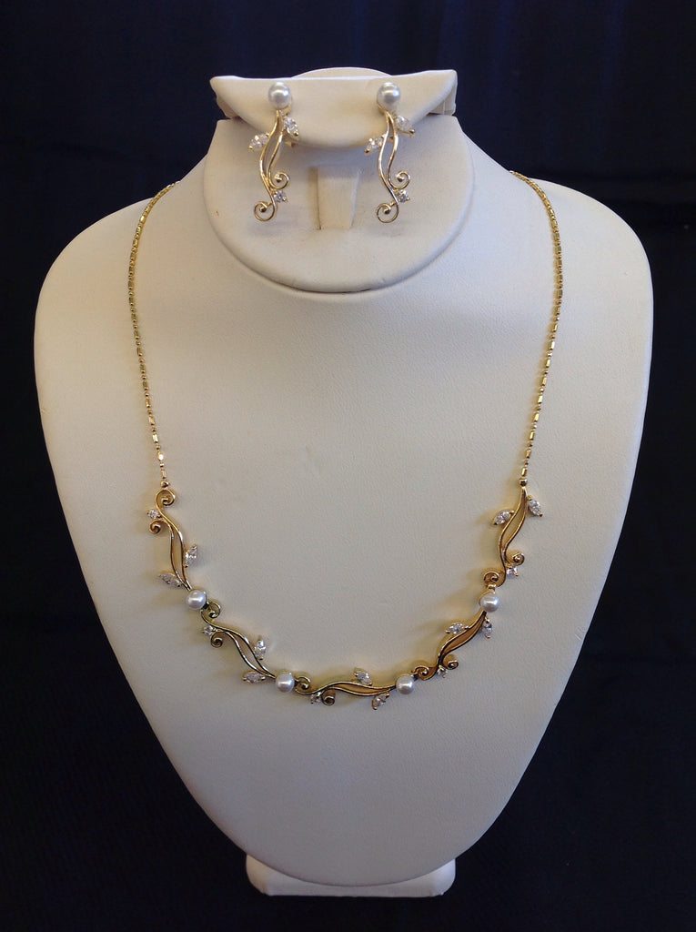 Gold Swirl Necklace Set with Pearls and Crystals