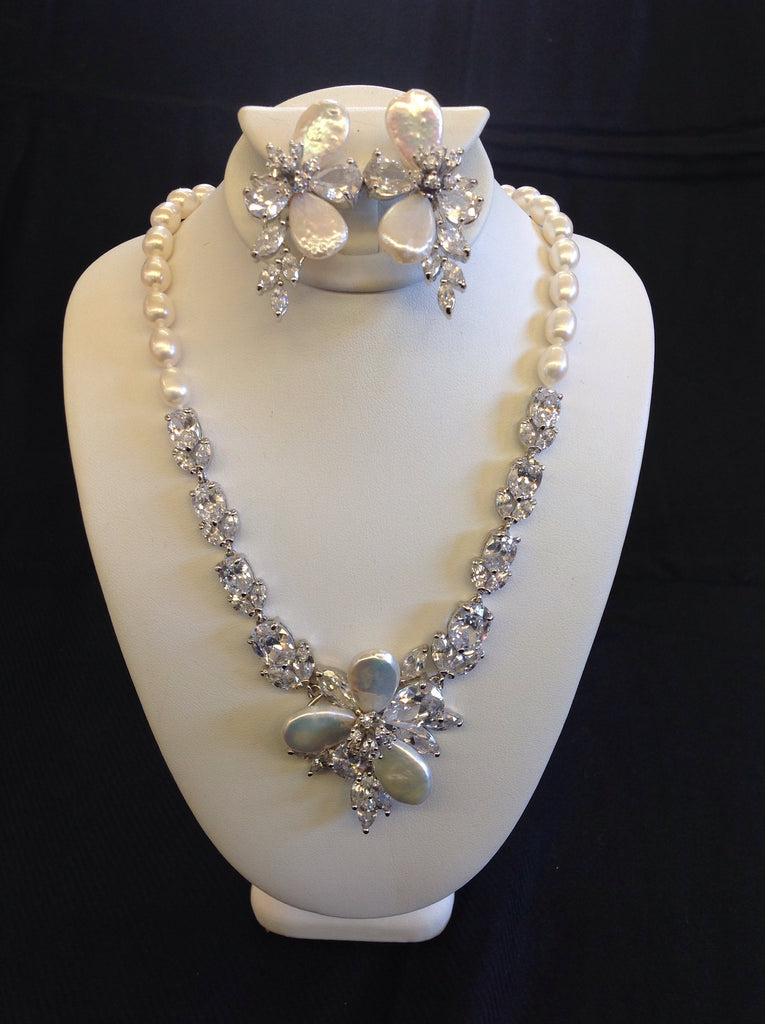 Freshwater Pearl and Swarovski Crystal Necklace Set