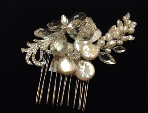 Pearl and crystal comb  R6-40131S