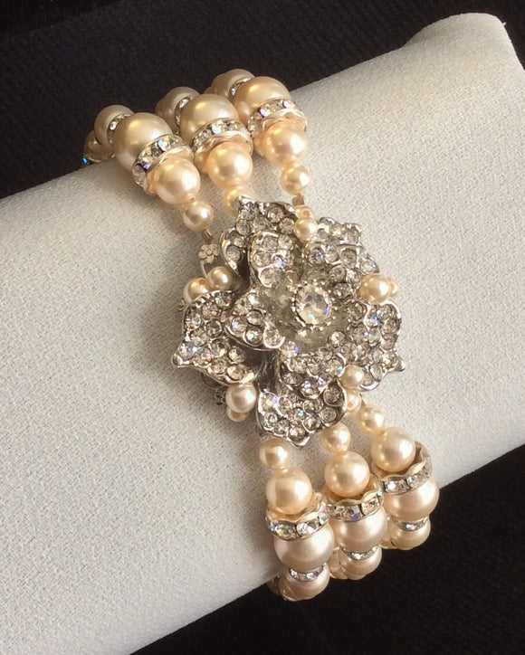 Crystal flower and pearl bracelet