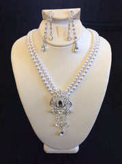 Pearl Necklace Set with Brooch