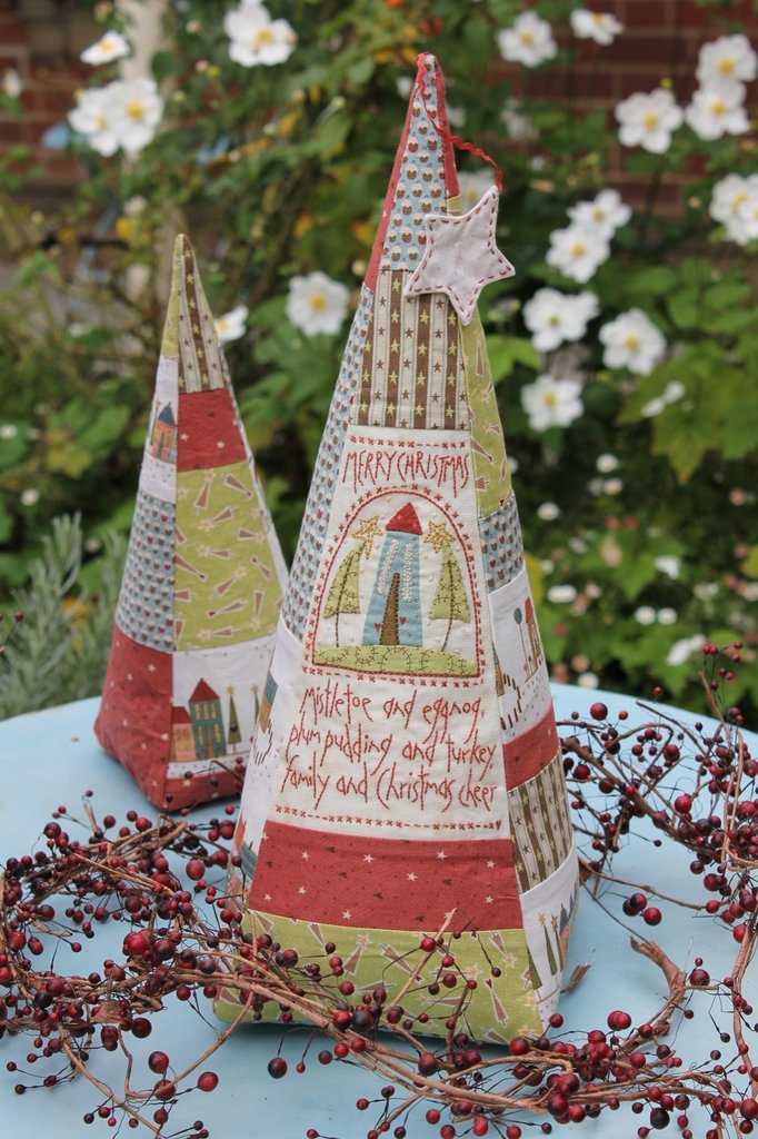 Hatched & Patched ~Tree of Christmas Cheer~ pattern