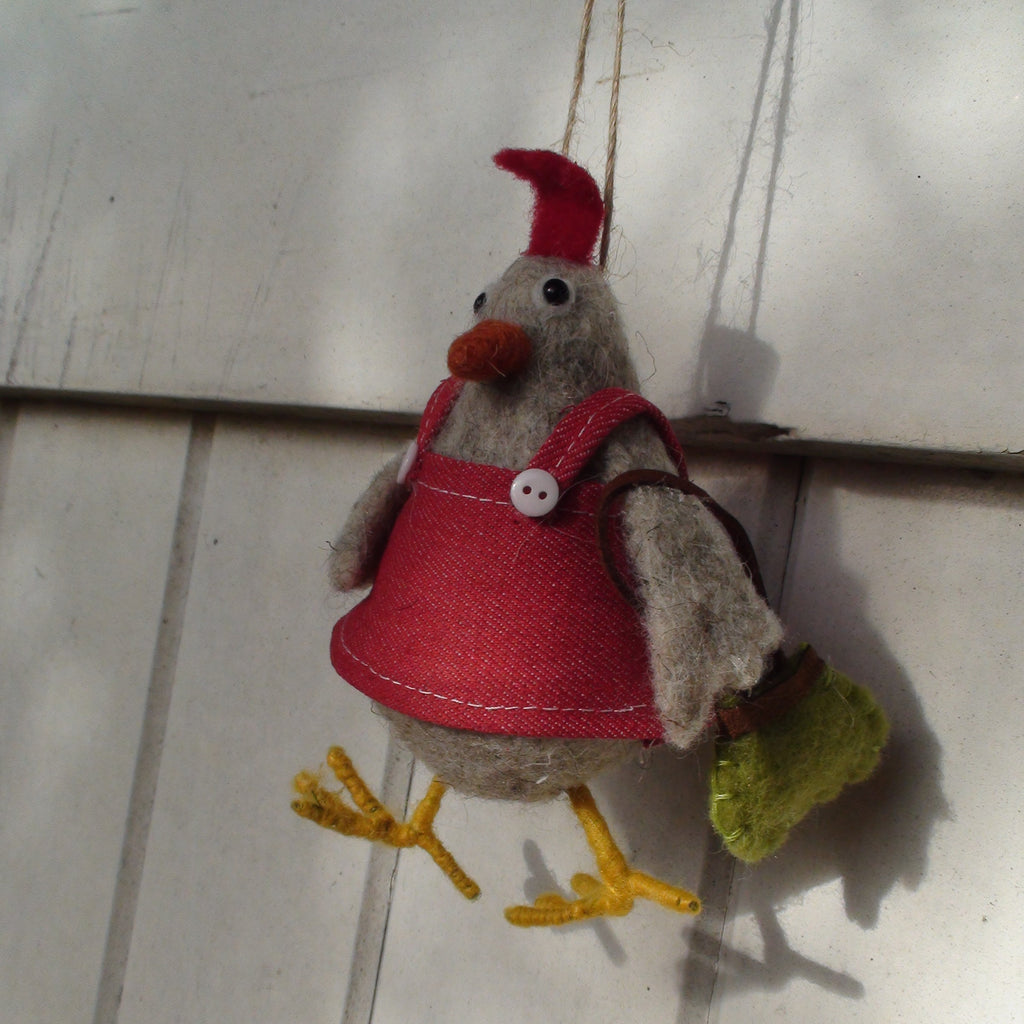 """Clara"" hen ~ hanging ornament~"