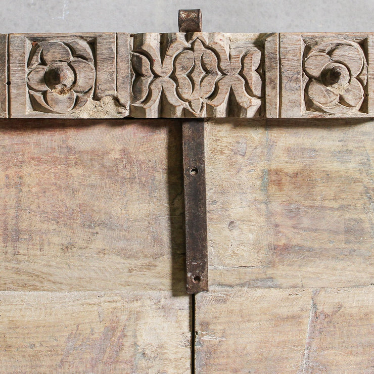 IFU0221-17 Khan Bleached Timber Chest