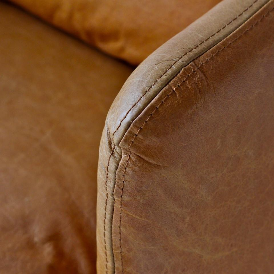 Lewis Classic Leather Chair - Cognac