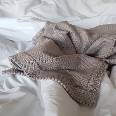 Soft knitted blanket, sand