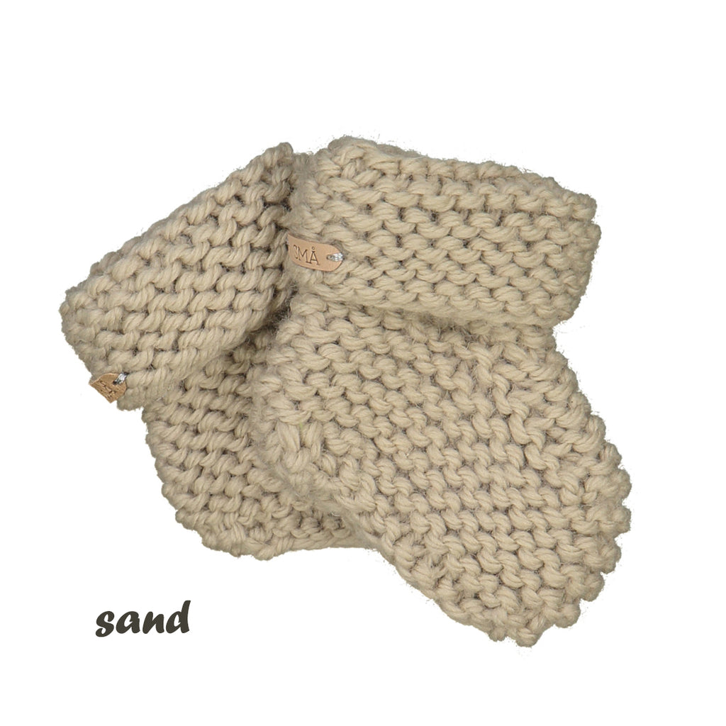 CHUBBY hand knitted booties - sand