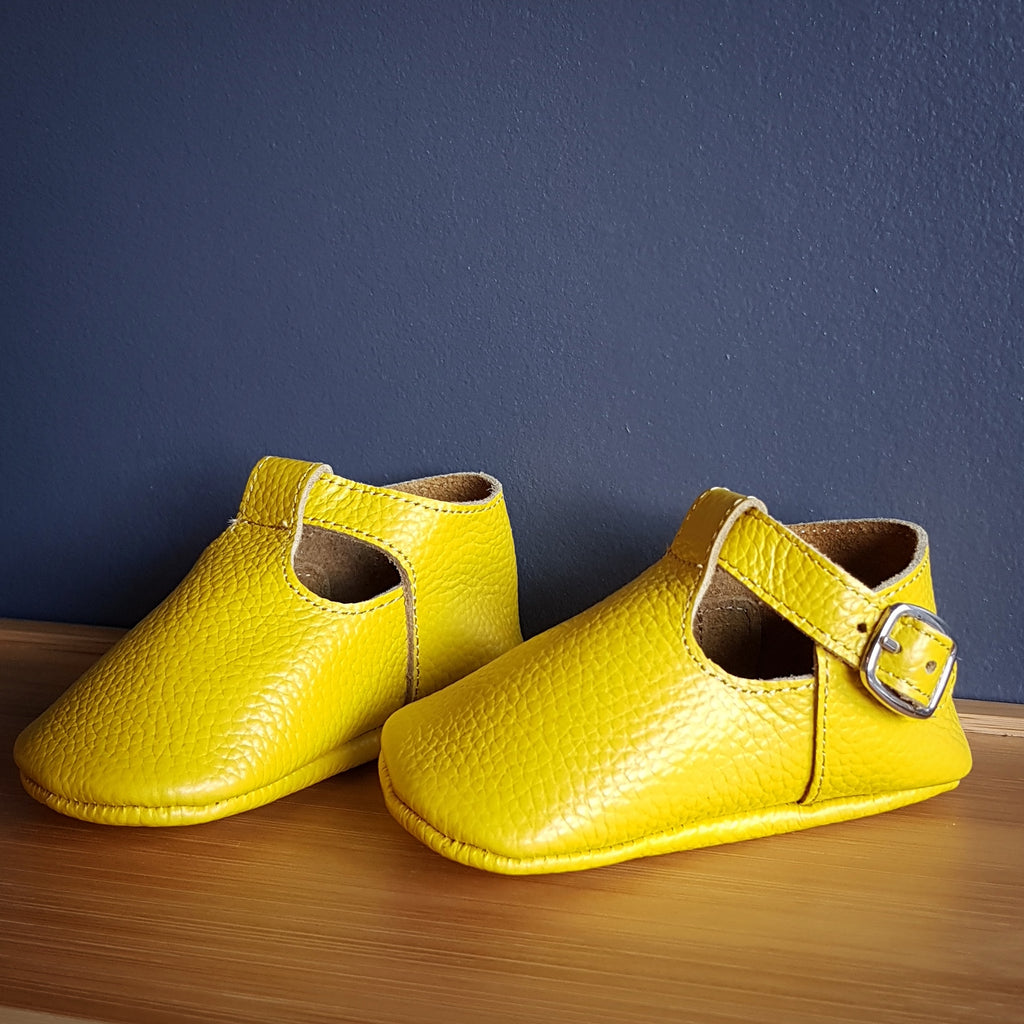 MAÏA handsewn t-strap leather moccasins, yellow