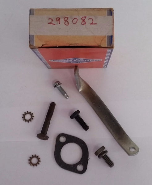 298082 Briggs & Stratton 298082 Carburetor Bracket Kit Briggs & Stratton NOS Vintage part