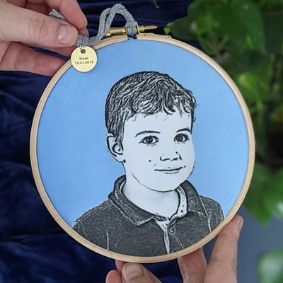 VELVET PERSONALISED PORTRAIT HOOP FRAMED PRINT