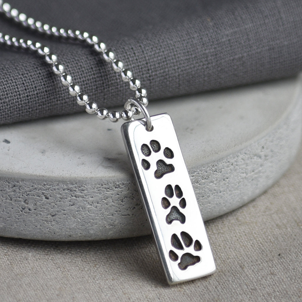 PAWPRINT SLIM TAG PENDANT