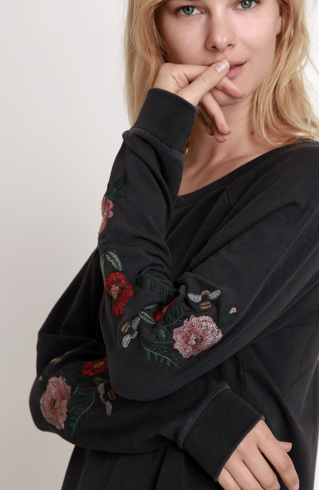 Billy T Vintage Embroidered Sweatshirt - Luxe EQ