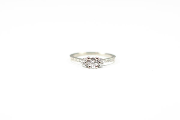 White Gold Engagement Ring with Round Diamond Center