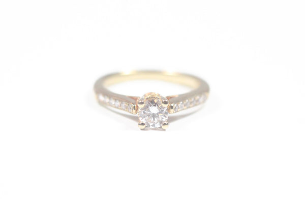 Yellow Gold Engagement Ring with Round Center
