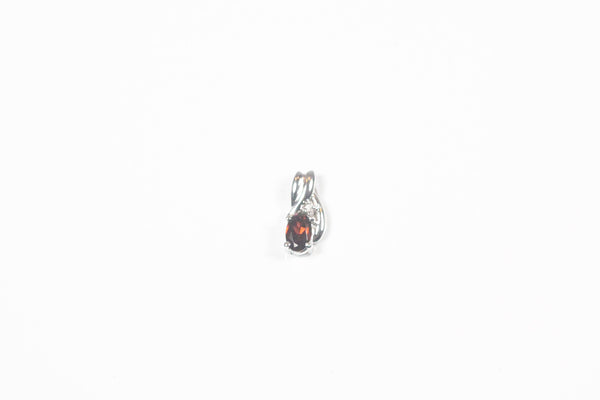 White Gold Pendant with Garnet and Diamond