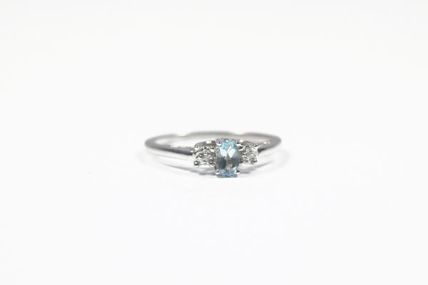White Gold Aquamarine Ring with Diamonds
