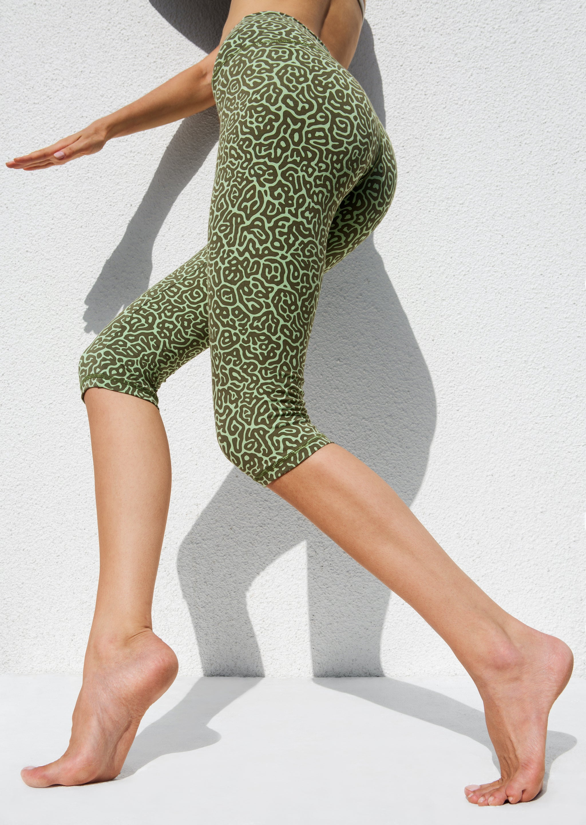 High Waist Capri Tights - Pufferfish Green