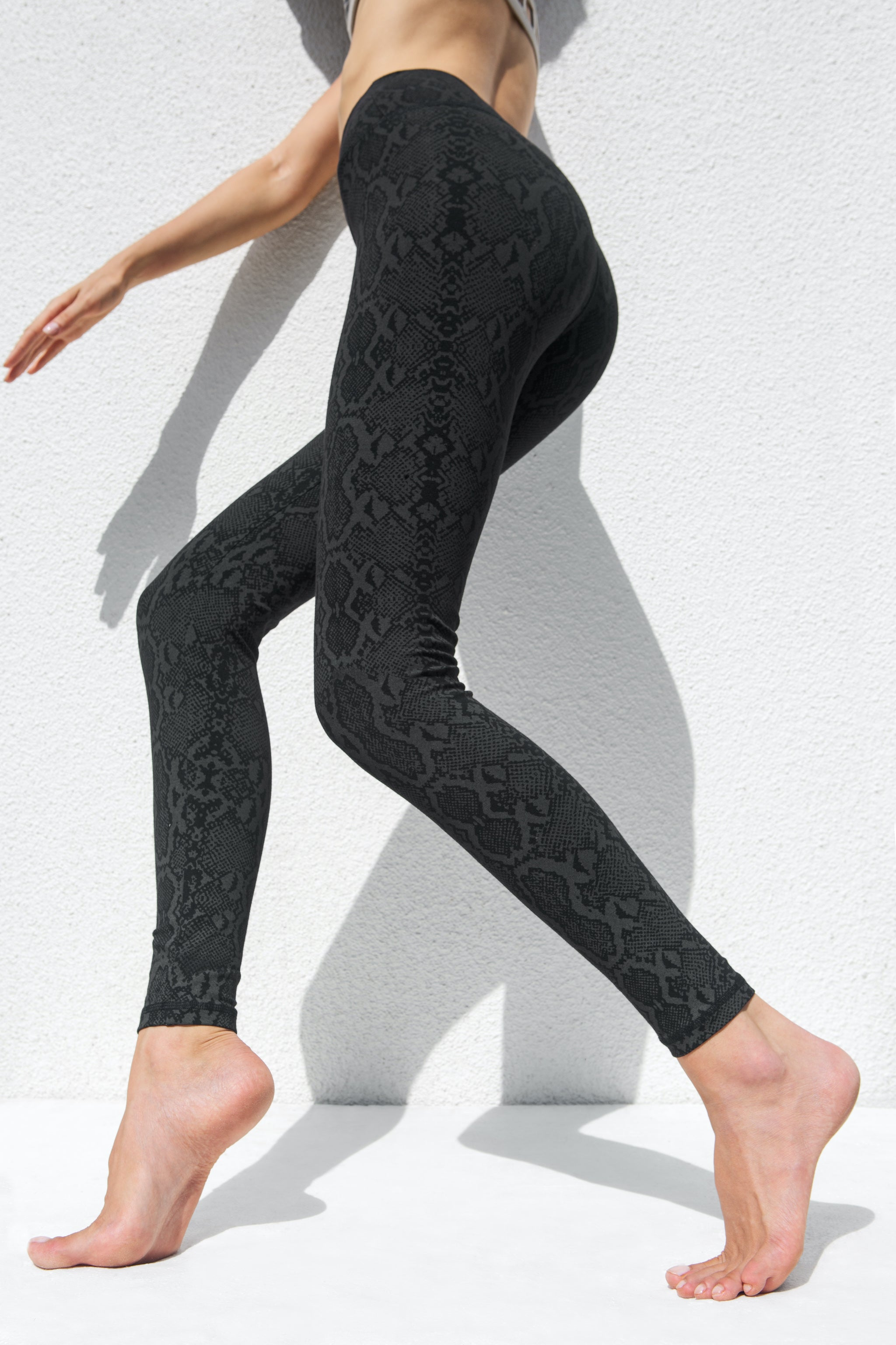 Super High Waist Leggings Tights - Black Snake