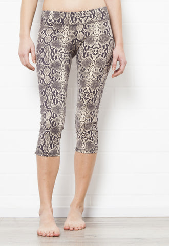 Capri Tights - Giraffe Cream Black