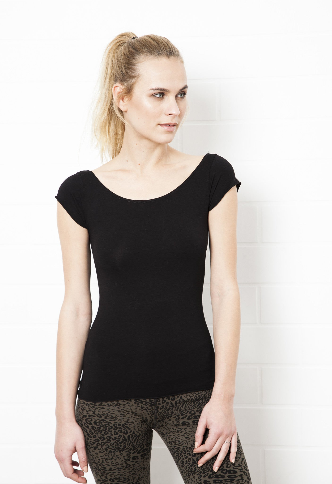 Cut Back Black Top - FUNKY SIMPLICITY