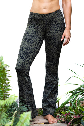 Flared Leggings - Charcoal discharge Leopard