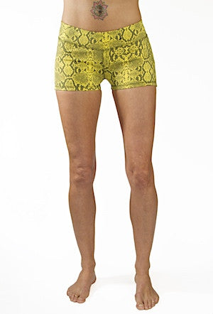 Yoga Hotpants - Yellow Grey Snake - Beach Shorts - FUNKY SIMPLICITY