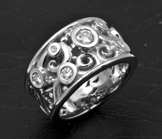 Filigree 19k white gold ring