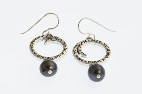 Small Earrings with Gray Pearls