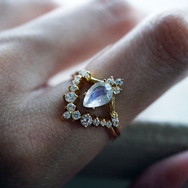 tippy taste jewelry moonstone blossom ring