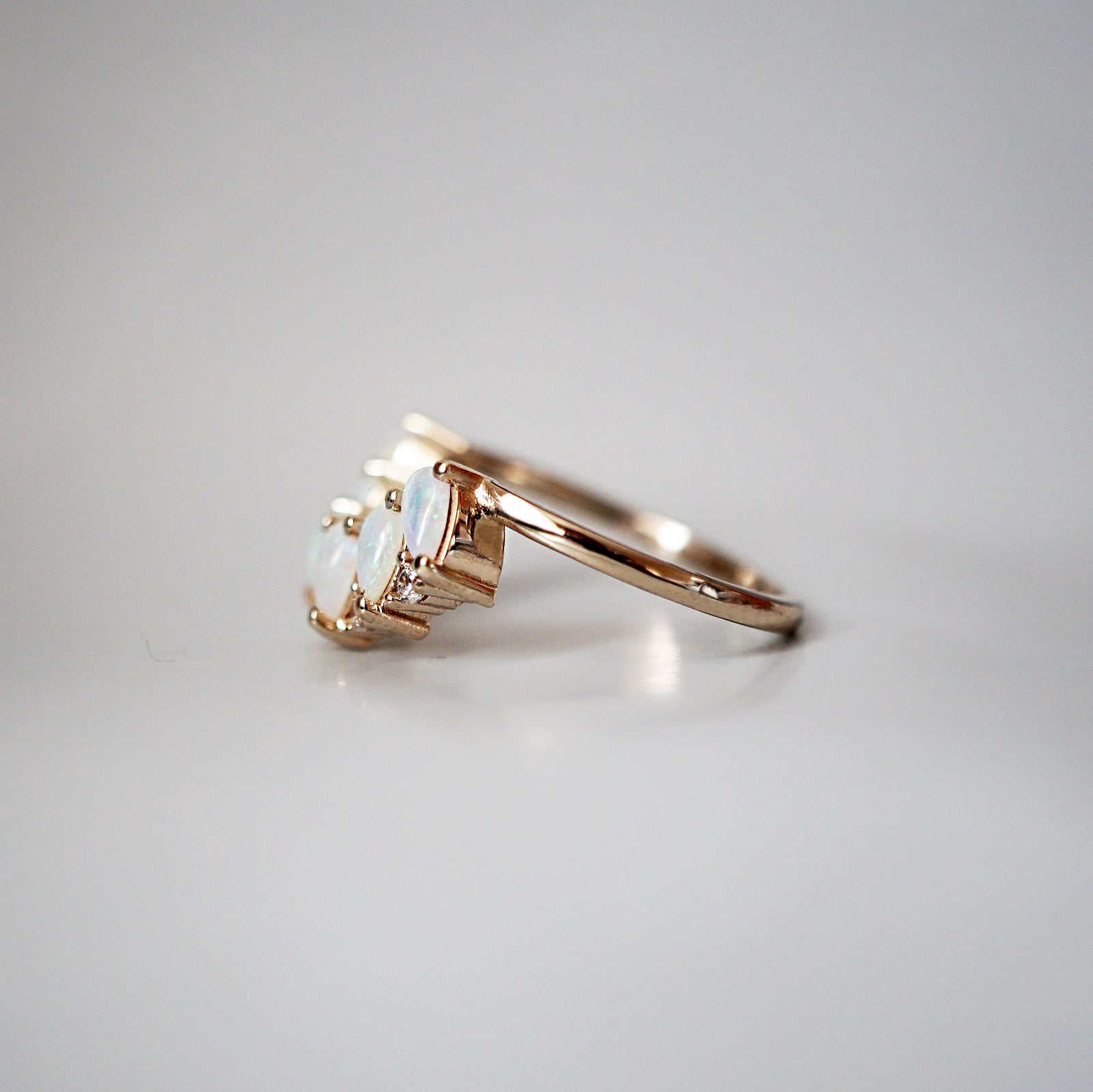 14K Mermaid Tears Diamond Ring