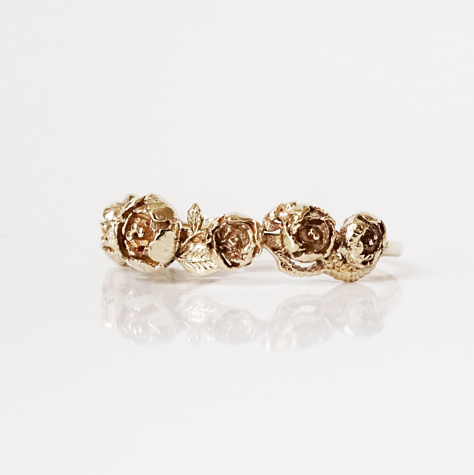14K Peonies Ring Band