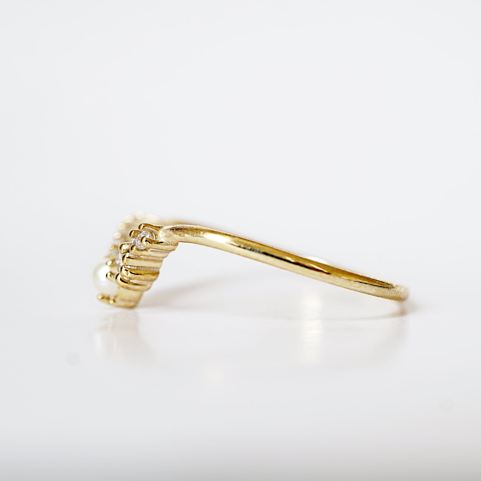 14K Pearl Oyster Curve Ring