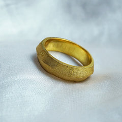 Crumpled Gold Foil Bevel Ring, 5.8mm