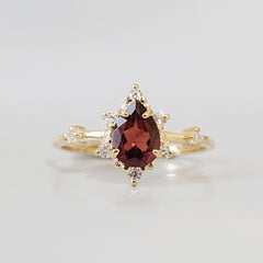 Garnet Crush Ring - Tippy Taste Jewelry
