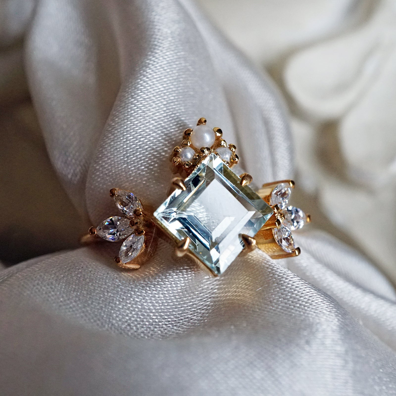 14K Aquamarine Pearl Lady Ring