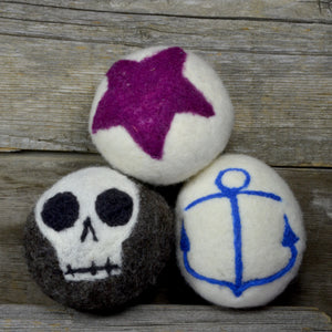 Skull, star, anchor dryer balls, rock pack