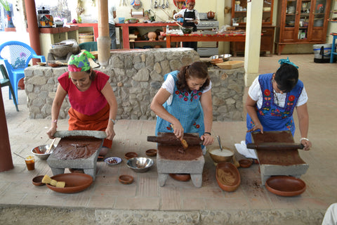 metate oaxaca chocolate