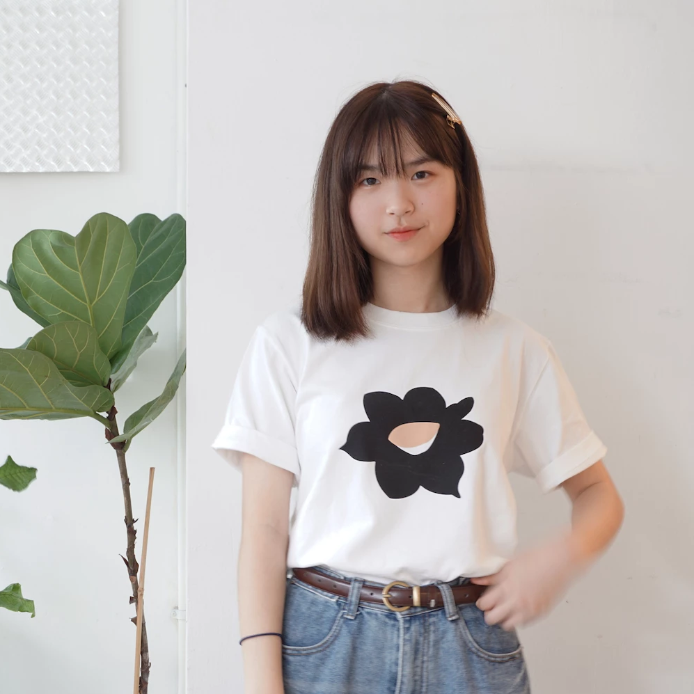 GLUE Hand Printed Felt Black Daffodil T-shirt on her