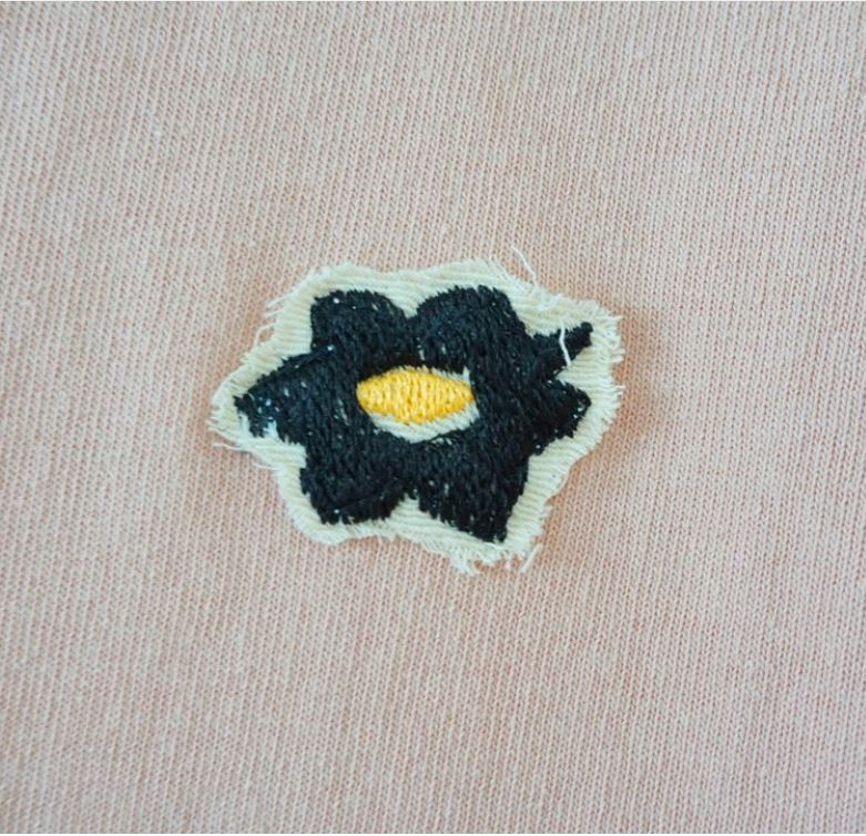 Glue Original T-shirt with flower embroidery -Pink