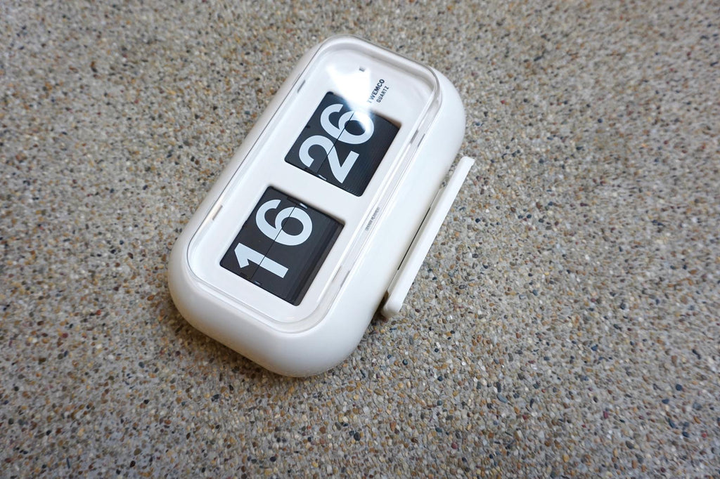 Twemco Table / Wall Flip Clock White