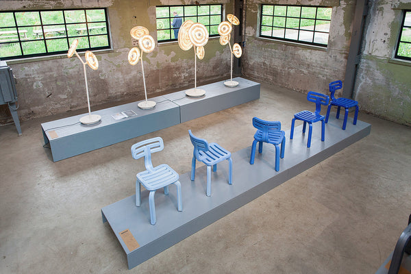 chubby chair blue sunflower standing lamp light design district dirk vander kooij recycled cd's printed plastic robot