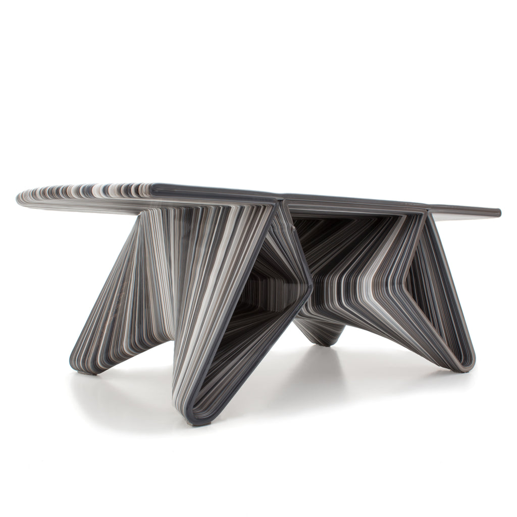 flow coffee table ash grey made with a 3D printer robot by dirk vander kooij